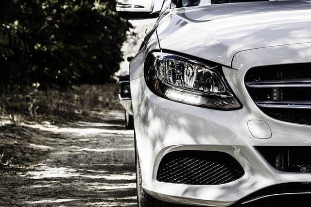 Mercedes Benz Versicherung - die beste Autoversicherung it den geringsten Kosten finden